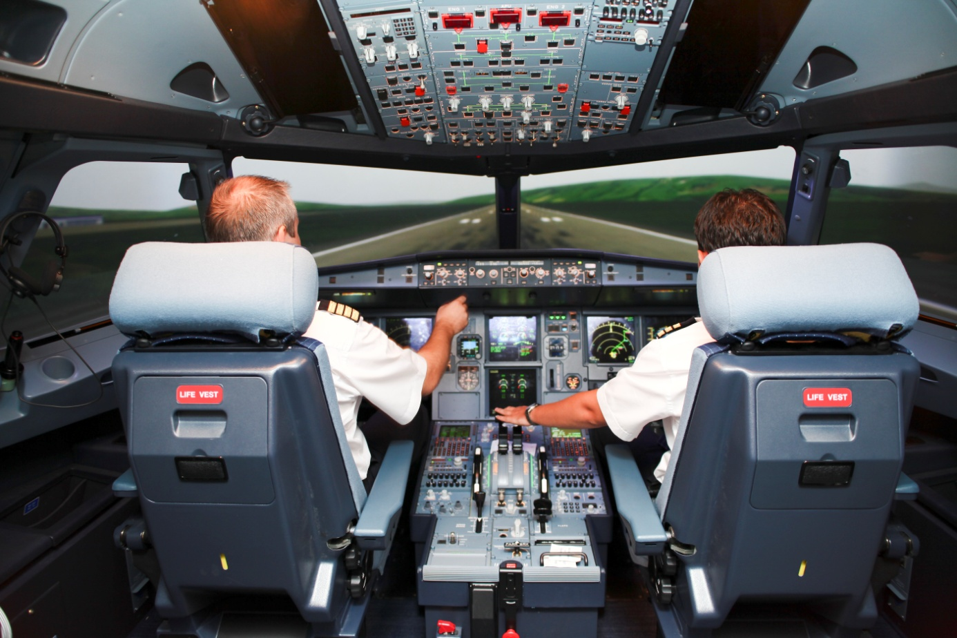 Unusual / Emergency Situations for Pilots and Air Traffic Controllers